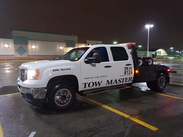 Accident vehicle towing and recovery service by Tow Master Towoing Toronto